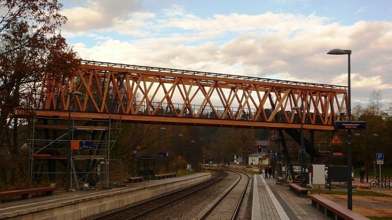 Fertig montierte Brücke