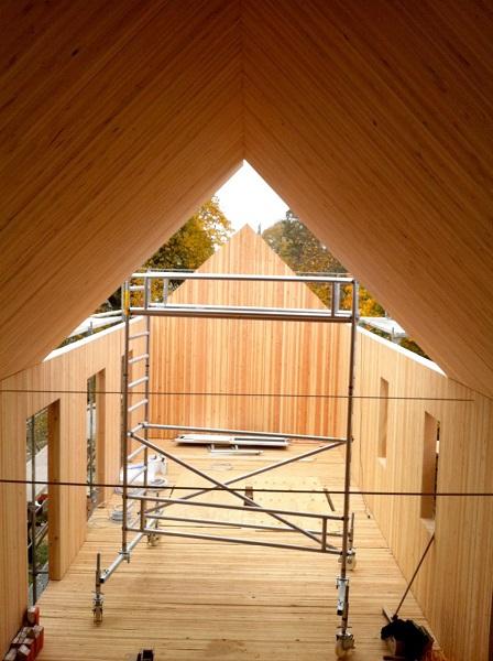 Auflage des Daches (Baustellenbild)