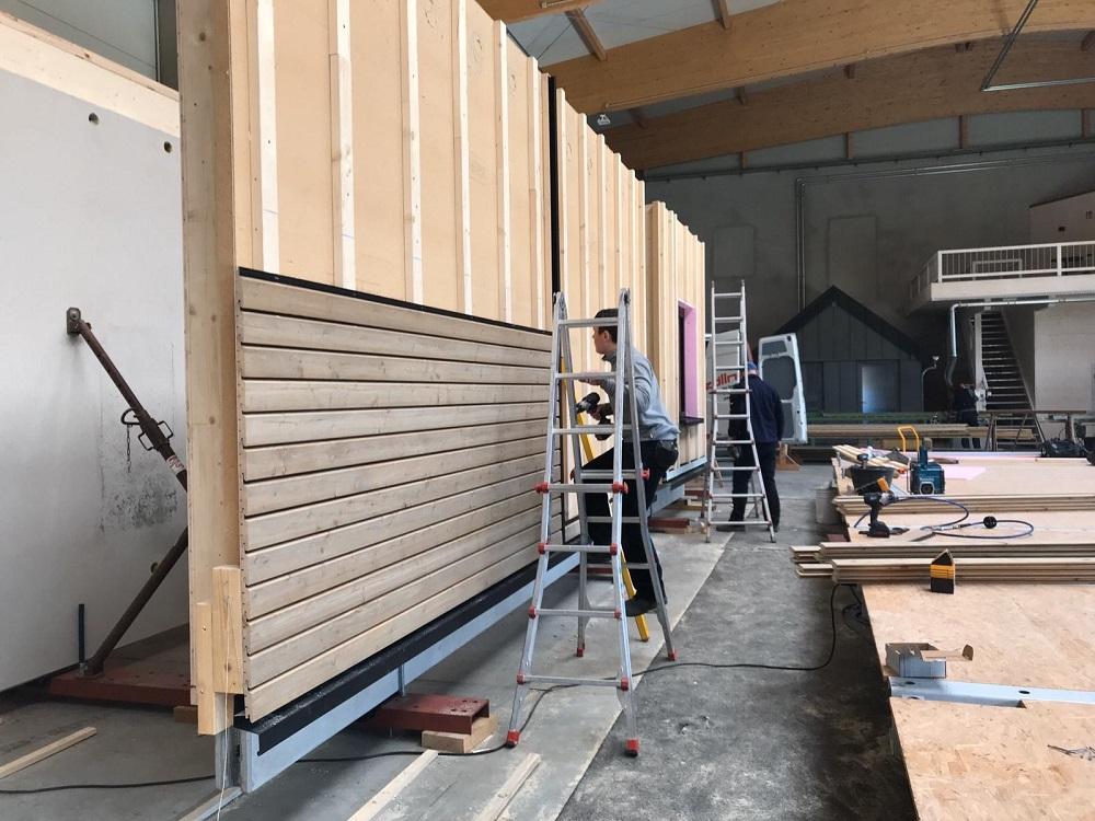 Fassadenkonstruktion in der Kombination Holz und Beton