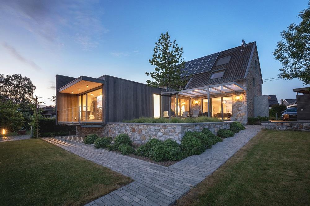 Historische Bauweise schlichten und offenen Holzanbau