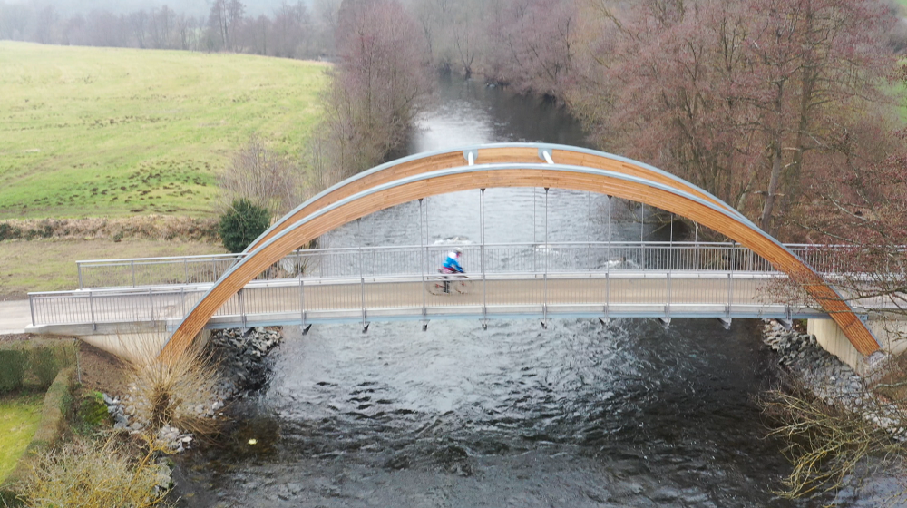 Brücke über die Rur als Bogenkonstruktion